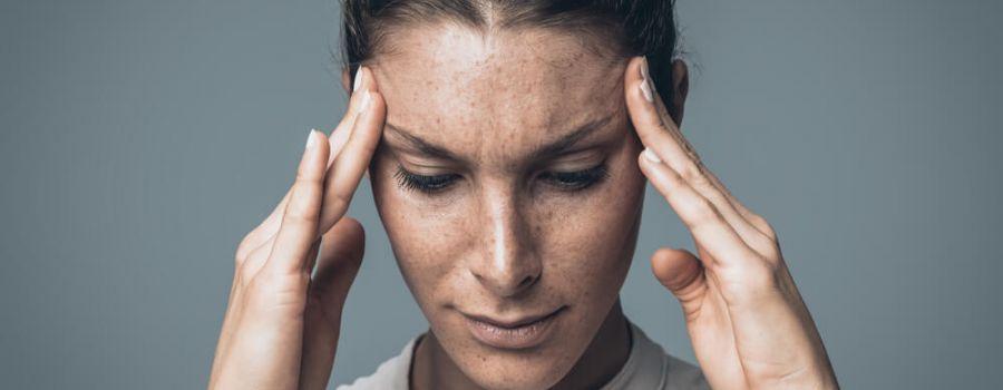 Ból głowy w skroniach - przyczyny, leczenie. Co może oznaczać?
